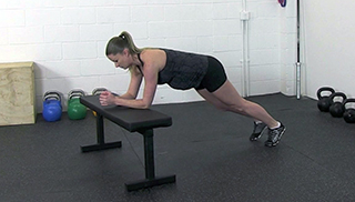 fit mom bench plank knee tuck - step 3
