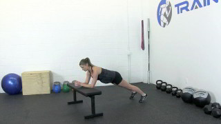 fit mom bench plank - step 1