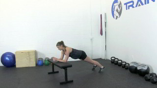 fit mom bench plank - step 3