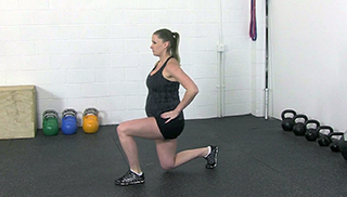 fit mom lunges - step 2