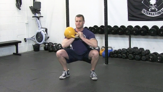 single side kettlebell front squat - step 2