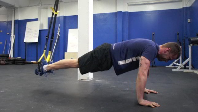 trx pike crunch - step 3